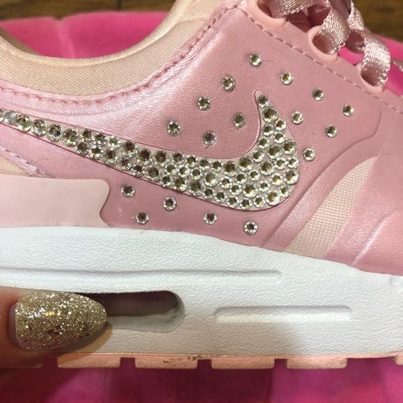 Nike Airmax Bling Pink. M 5b9e9ba3c9bf5023108260a9 02a20994c0